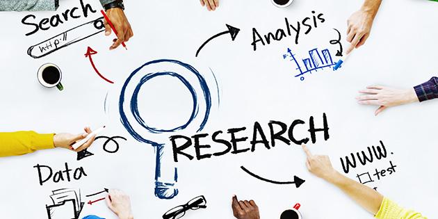 Nghiên cứu các bài báo khoa học và blog